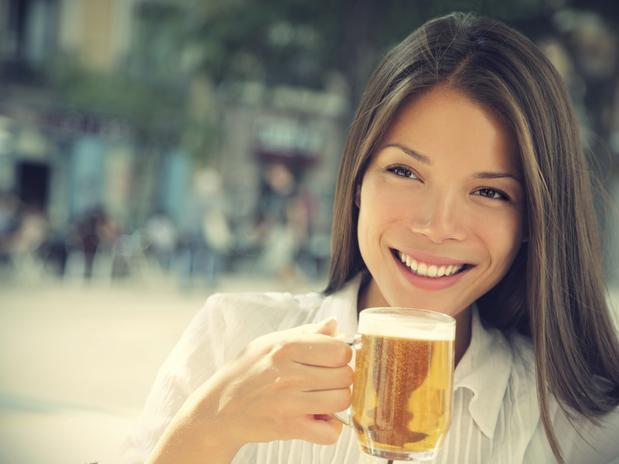 Защо бирата е полезна за косата
