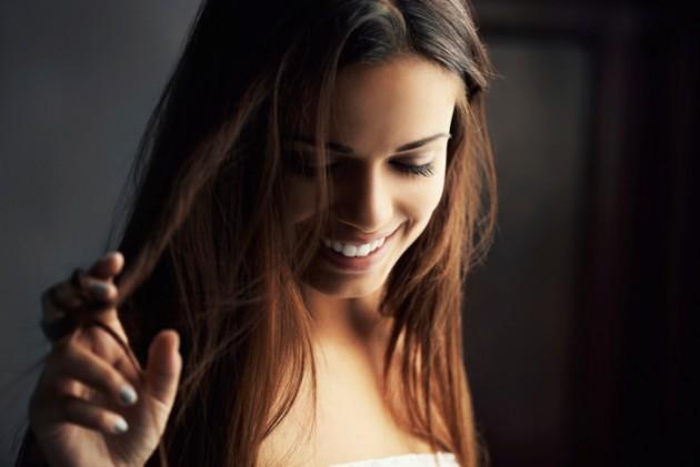 Как да спрем омазняването на косата