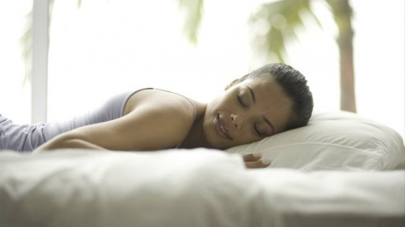Ако спим на светло, напълняваме по- лесно