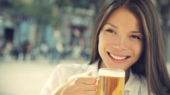 Защо бирата е полезна за жените