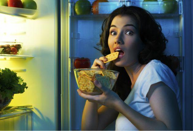 4 нездравословни навика, от които се напълнява много