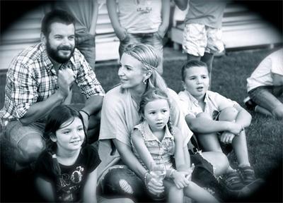 Иван и Ирина с децата им Ава, Вирджиния и Спас