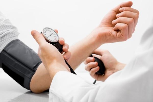 Каква е връзката между диабета и високото кръвно?