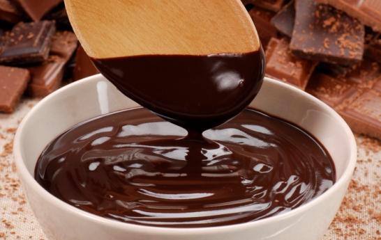 Как да използваме шоколада, за да имаме красива коса
