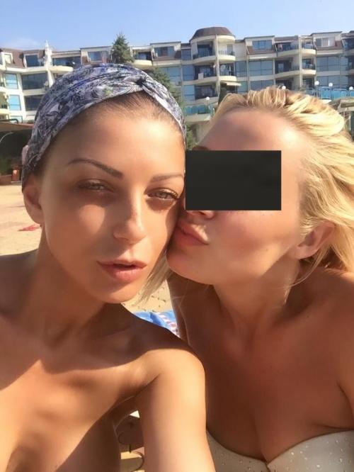 Емануела пак дибидюс на плажа