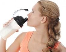 3 рецепти за подхранващи сокове за косата ви