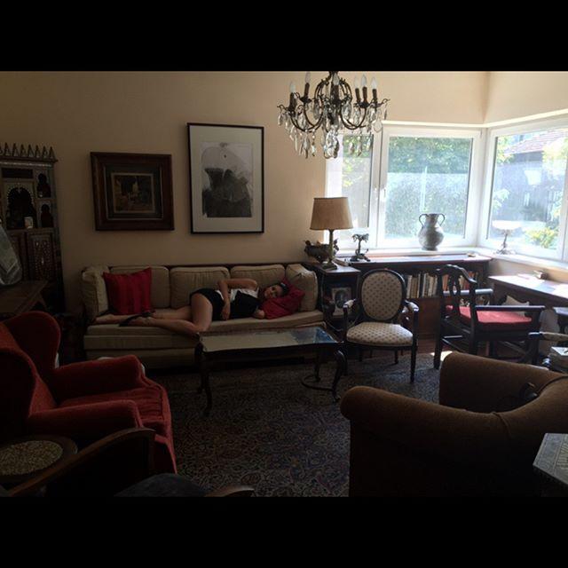 Нина в дома на баба и дядо