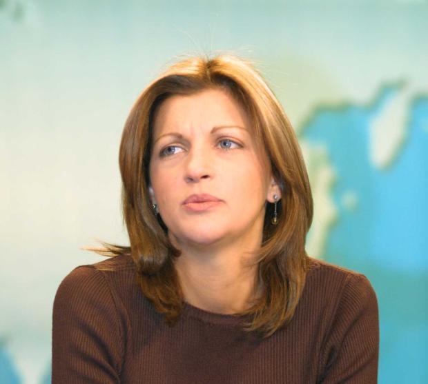 Миа Сантова