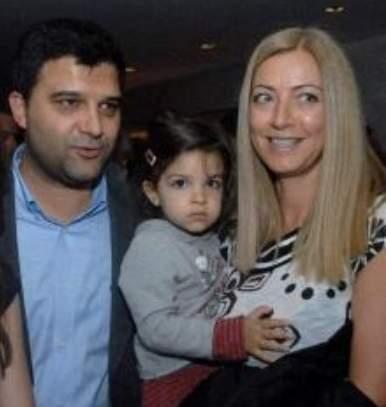 Малък Тошко с бившата му жена Силвия (съпруга на разстреляния мафиот Поли Пантев) и дъщеря им Катерина
