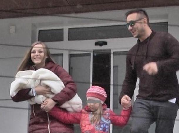 Синът на Коцето и Надя вече си е у дома
