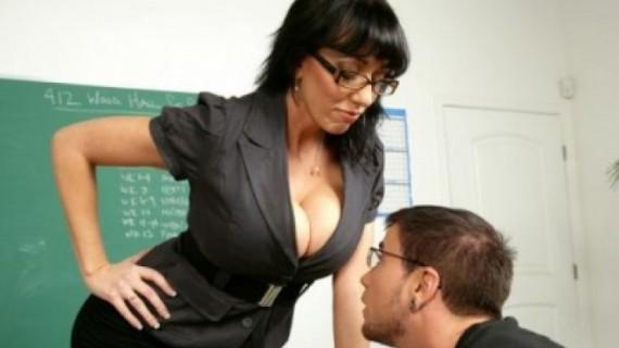 Студент засне по*но с асистентка!
