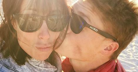 Официално! Зара се сгоди за австралийското си гадже