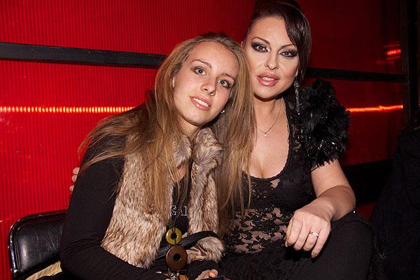 Ивана с единственото си дете - Теодора