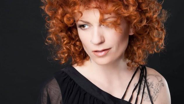 Виж коя актриса е новата любов на Люси Дяковска