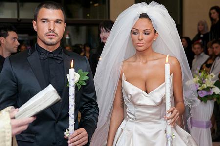 Бракът с Николета ще излезе солен за Валери Божинов