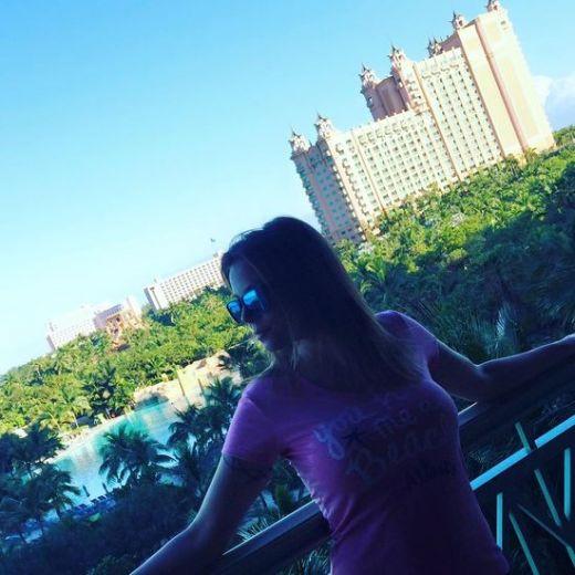 Емилия най- после в Дубай! Коко Динев се сети да я заведе на почивка! СНИМКИ: