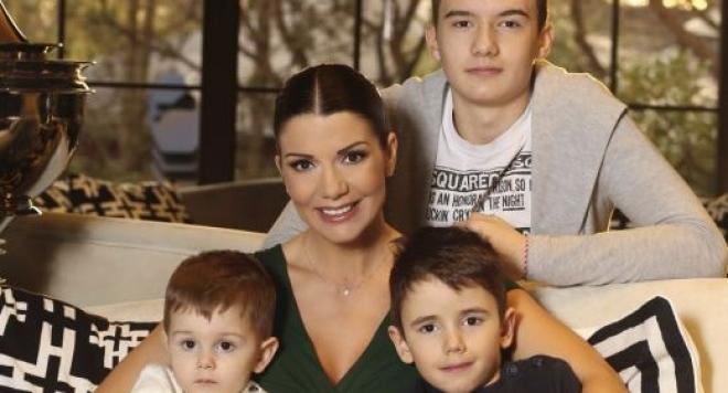 Кошмар! Синът на Кали пострада тежко при инцидент в мол