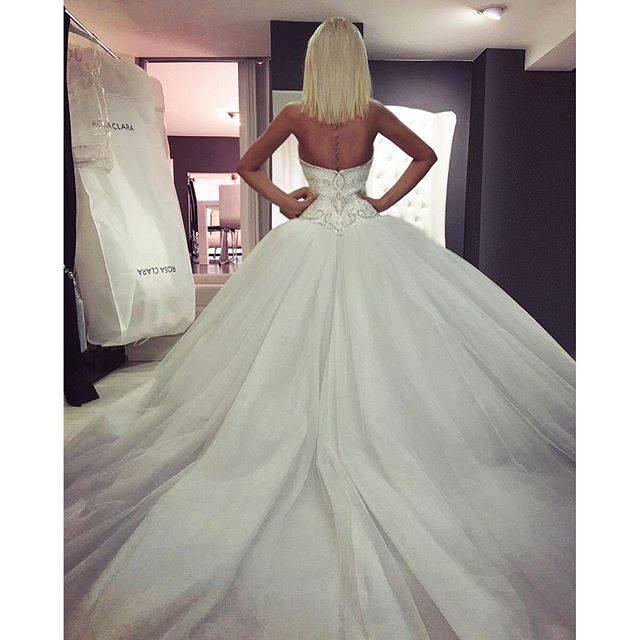 Сензация! Андреа се стяга за булка! Ето каква рокля избра: