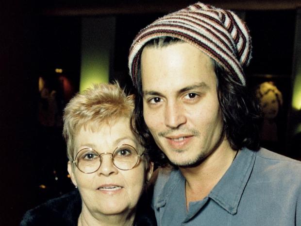 Майката на актьора почина на 81 години след дълго боледуване