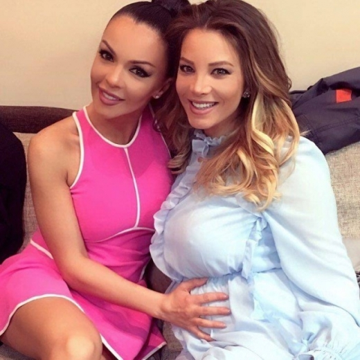 Емилия излезе в майчинство, Галена я изпрати – Снимки:
