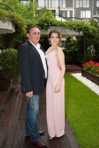 Мари с баща си
