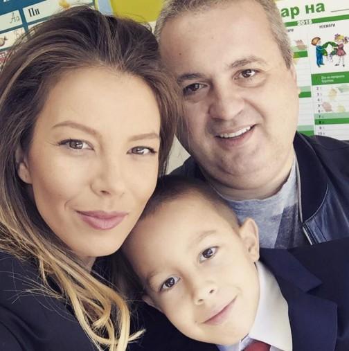 Емилия и Коко със сина им Иван