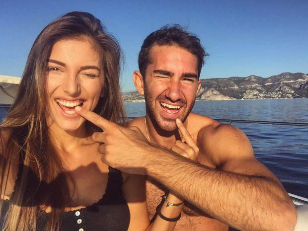 Алекс Богданска с годеника си Макс