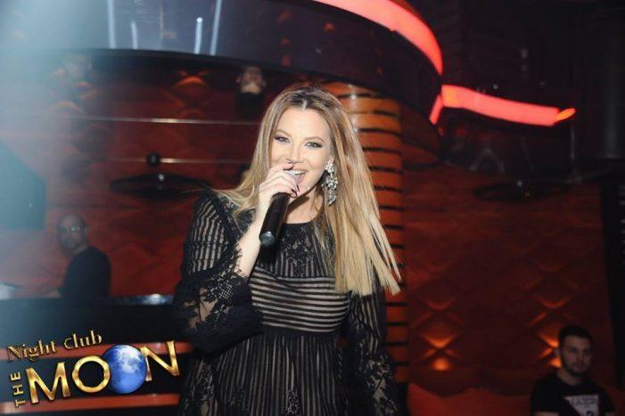 Прясната родилка Емилия хукна да пее по кръчмите – СНИМКИ: