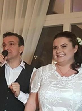 Зуека с избраницата си Анна Вичева