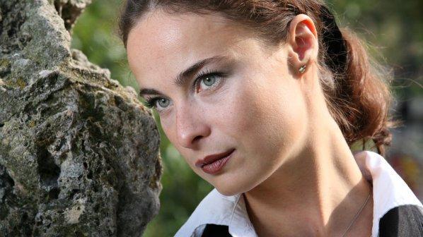 Ранна критическа затресе Йоана Буковска – актрисата оцелява с хапчета! Виж тук: