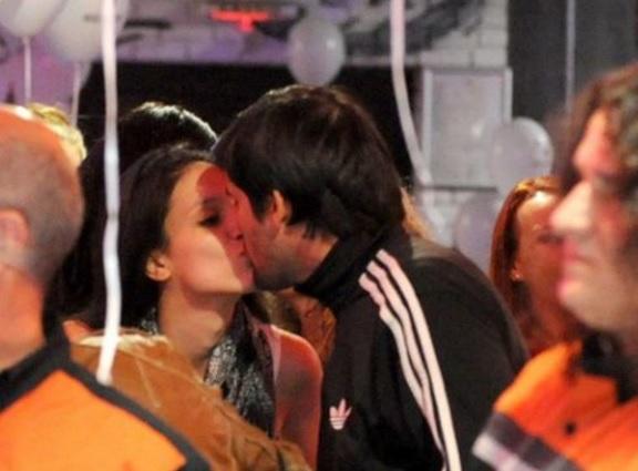 Луиза целувка