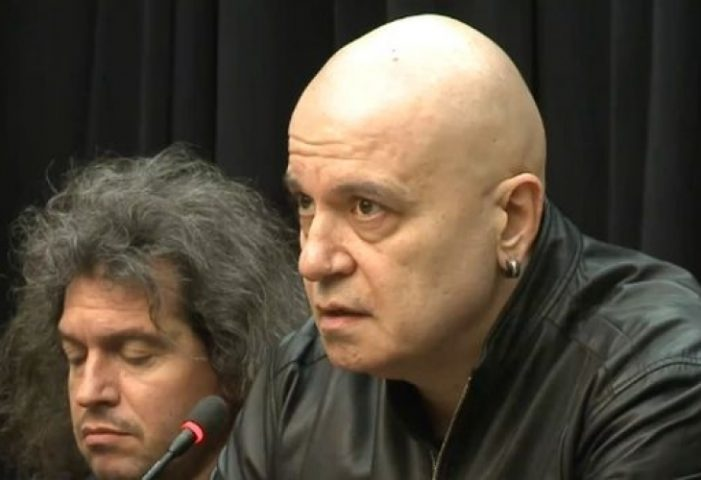 """Скандал! БТВ спря """"Шоуто на Слави"""" заради референдума! Ето как им отвърна Трифонов – ВИДЕО:"""