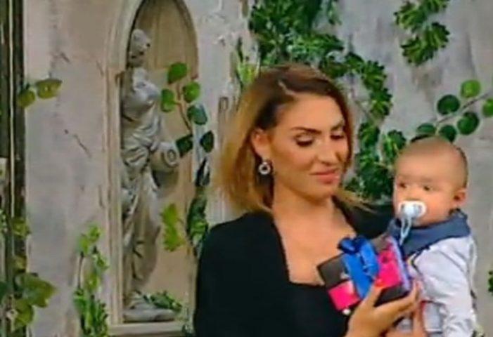 Потрес! Златка Димитрова помъкна бебето си по телевизиите! СНИМКИ: