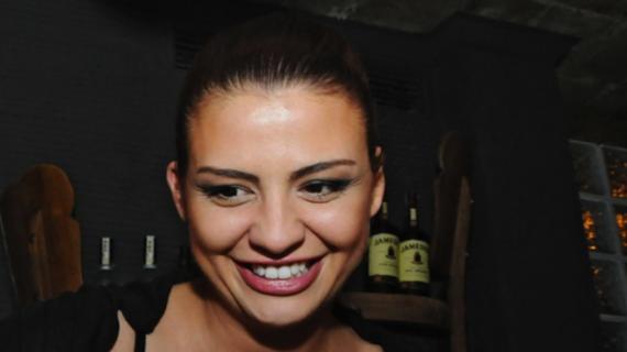Деси Цонева мърсува в социалните мрежи! Ето какво направи – СНИМКА (+18):