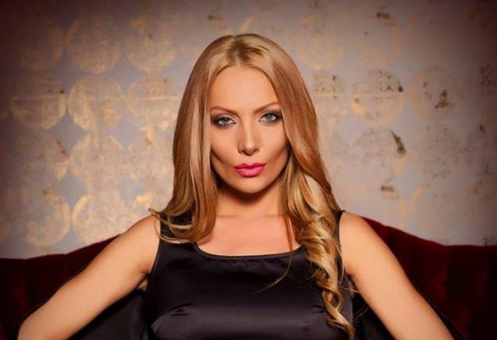 Златка Райкова натиска гаджето си за бебе