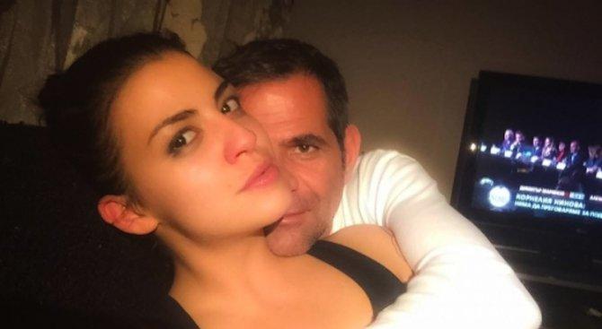 Деси Цонева скъса с годеника си!