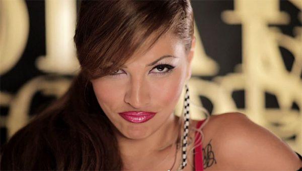 Шок! Изнудват певицата Сани Алекса с п*рно компромат!