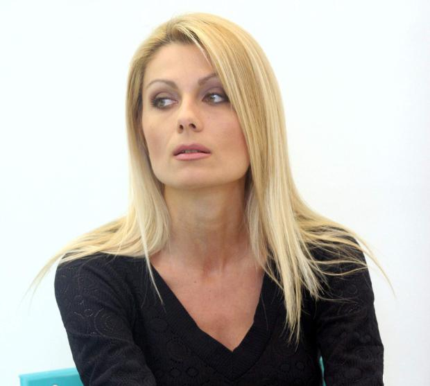 Венета Райкова стана кожа и кости! Ето каква е причината: