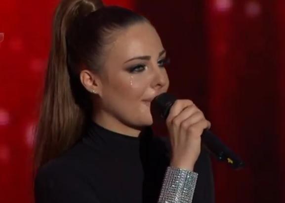 """Щерката на Глория ревна на сцената! Изритаха я от финала на """"Гласът на България""""!"""