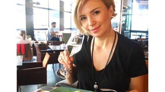 Ирина Тенчева се налива от сутринта – и не пуска чашката цял ден! СНИМКИ: