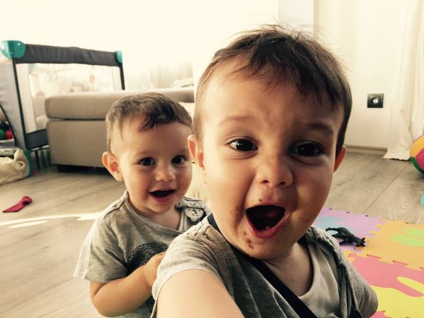 Близнаците Матия и Николо