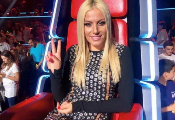 """Камелия без гащи и по зърна на финала на """"Гласът на България""""! СНИМКИ (+18):"""