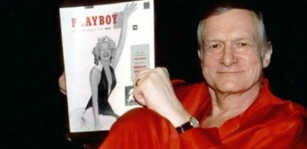 """Хю Хефнър държи първия брой на """"Плейбой"""" - корица е Мерилин Монро"""