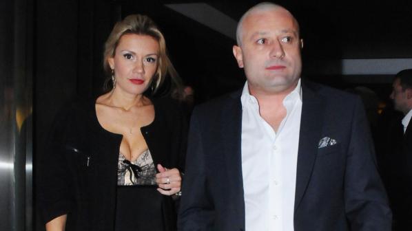 Димитър Рачков заби знойна красавица – Ето коя е тя:
