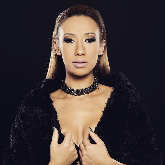Лили Стефанова от Ку- ку бенд живее като принцеса! Ето кой я глези: