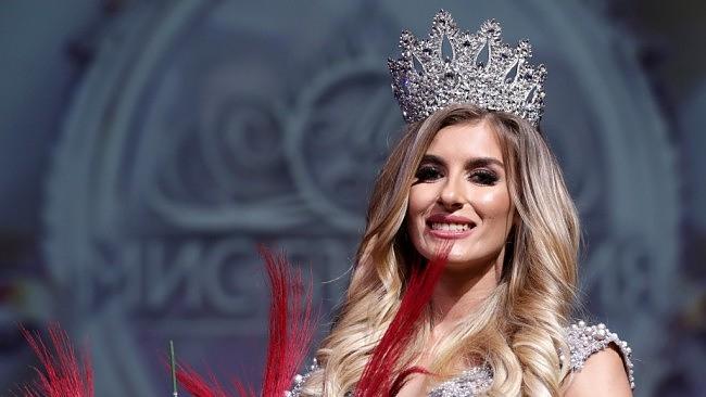 """Скандално! Фотографът на """"Мис България"""" разкри грозната схема за избора на победителката:"""