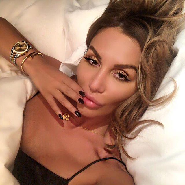 Моника Валериева пристана на арабски шейх! Вижте как я глези- СНИМКИ: